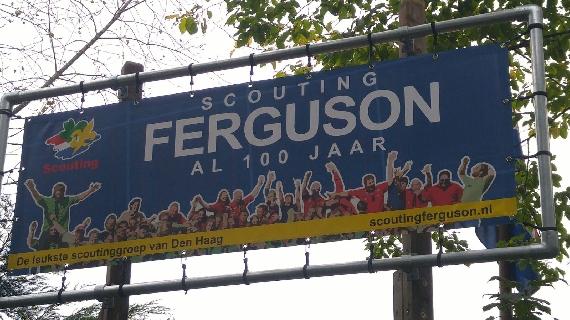 Nieuw Ferguson bord
